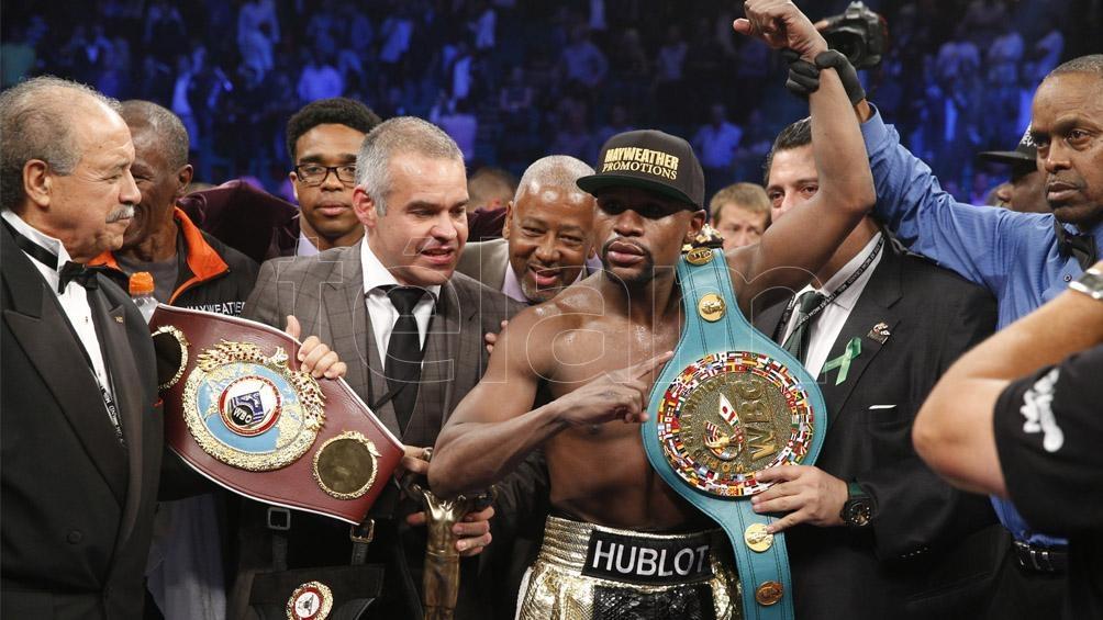 """Floyd """"The Champ"""" Mayweather Jr consiguió cinturones en cinco categorías del boxeo profesional (foto Archivo)"""