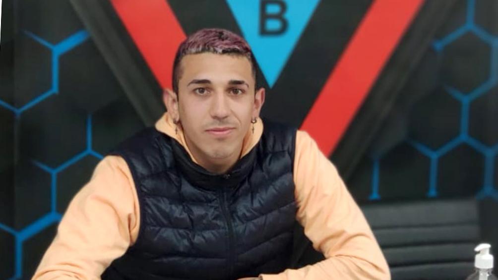 El volante Alexis Castaño, de Brown de Adrogué, se fracturó la clavícula