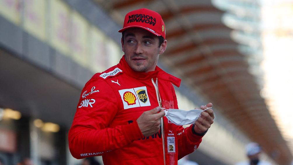 Charles Lecler, con Ferrari, larga primero en el GP de Azerbaiyán