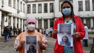 Denunciaron la muerte de una enfermera a la que obligaron ir a trabajar pese a ser de riesgo