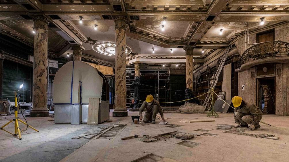 Con la reparación de la marquesina avanza la restauración de la Confitería Del Molino