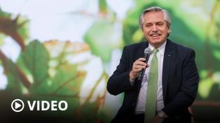 """Fernández: """"El problema ambiental no es una demanda del futuro"""", sino del presente"""