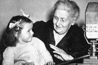 Maria Montessori, pionera de la educación moderna.