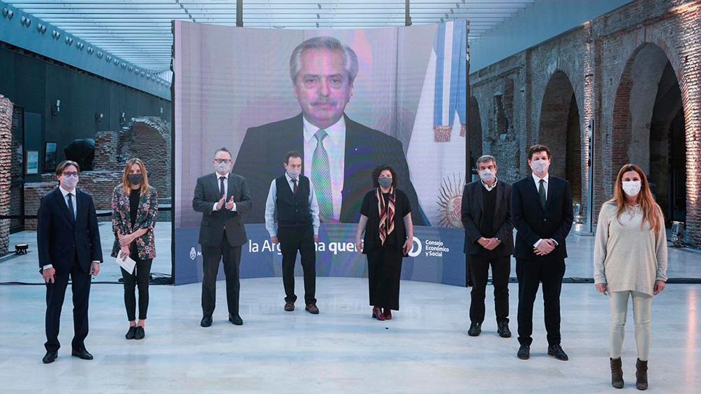 """El anuncio fue realizado en un mensaje grabado que se difundió al término del Foro Internacional """"Geopolítica de las vacunas. Hacia una estrategia argentina de desarrollo y producción""""."""