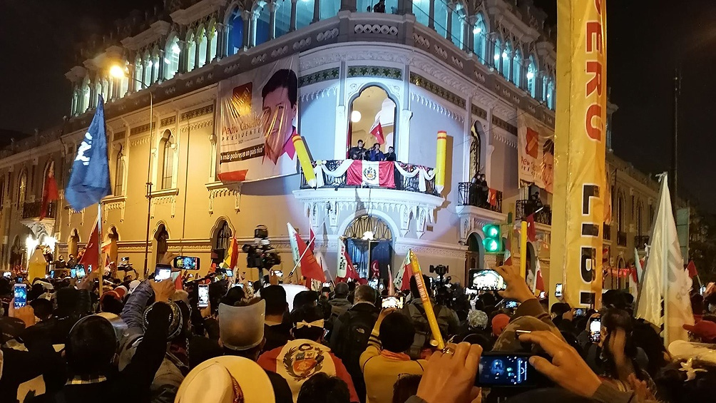 """Castillo dijo que su futuro Gobierno será """"respetuoso de la democracia y de la Constitución actual""""."""