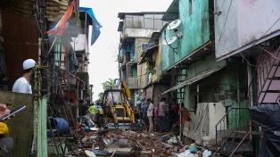 India: al menos 11 muertos al derrumbarse un edificio en Bombay