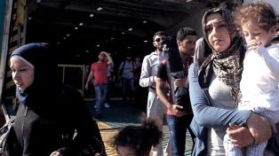 """Médicos Sin Fronteras denuncia las """"condiciones terribles"""" de los centros de migrantes en Grecia"""