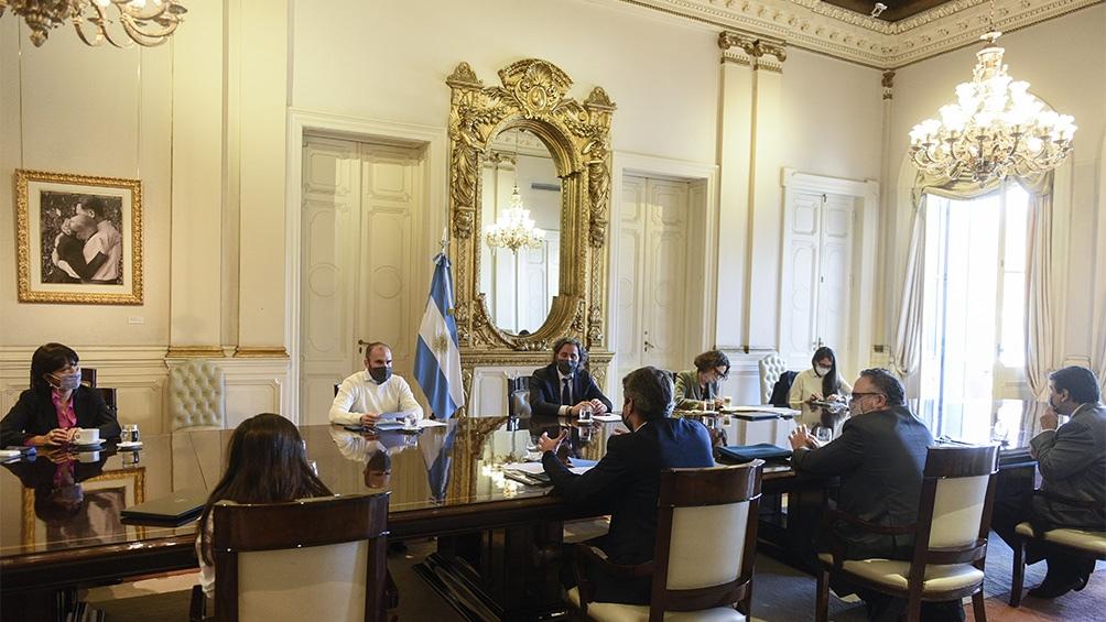 El encuentro del Gabinete Económico se llevó a cabo en el Salón Eva Perón de la Casa Rosada.