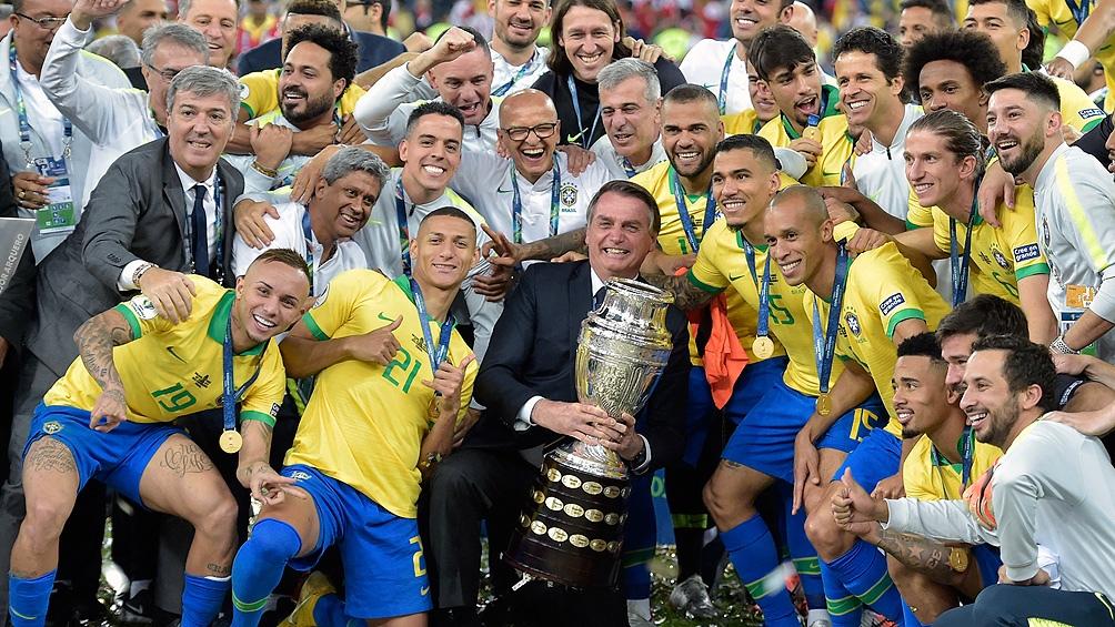 Bolsonaro se valió varias veces del fútbol como herramientas proselitista.