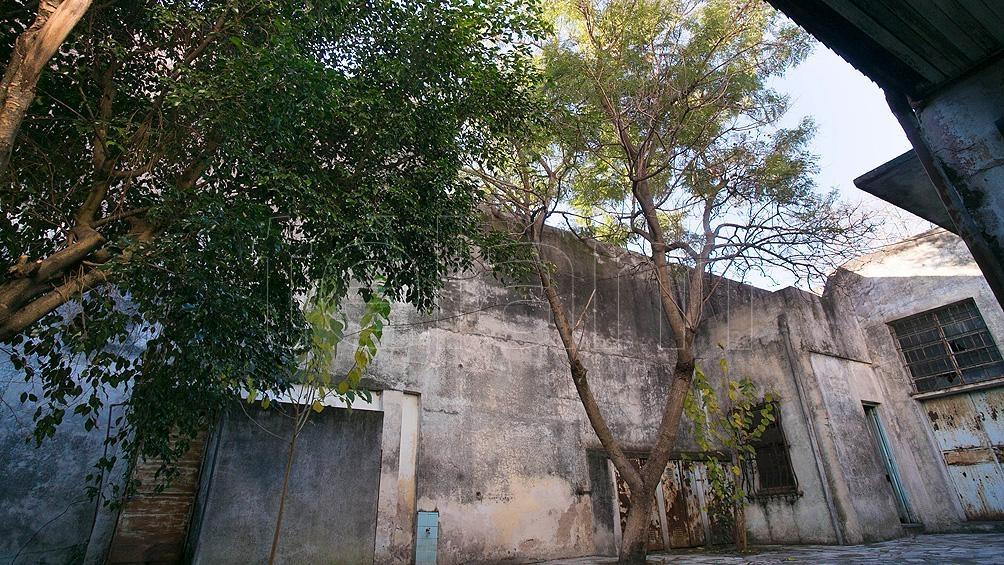 Se trata de una casa ubicada en la calle Tres de Febrero 547, en Villa Sarmiento, donde nació María Elena Walsh. Foto: Florencia Downes.