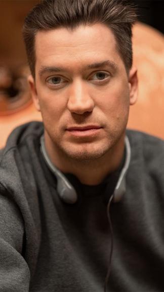 """Rafael Casal es actor, guionista y productor estadounidense, la cara detrás de """"Blindspotting""""."""