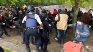 La policía francesa dispersó otra gran fiesta en la vía pública en París
