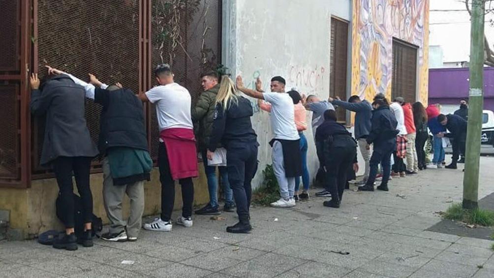 Los encuentros ilegales fueron detectados en distintos barrios de la localidad balnearia