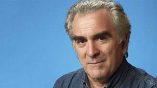 Alejandro Tarruella, el autor, es escritor y periodista.