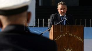"""Ministro da Defesa homenageia veteranos das Malvinas e critica política """"colonial"""" e """"ofensiva"""" do Reino Unido"""