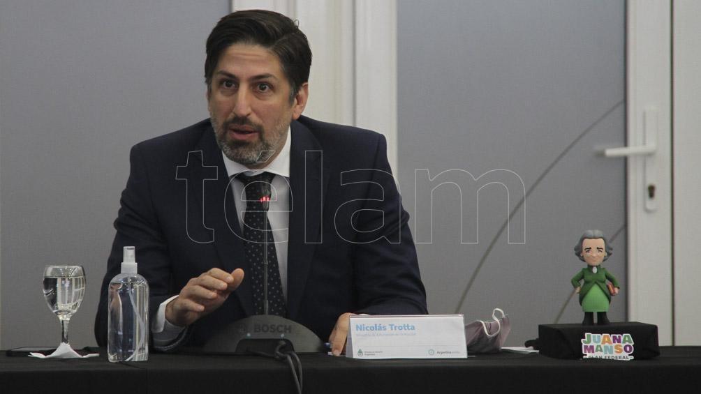 """Trotta: """"Es la segunda vez que Clarín plantea temas que no son los que están reflejados en el debate en el Consejo Federal de Educación""""."""
