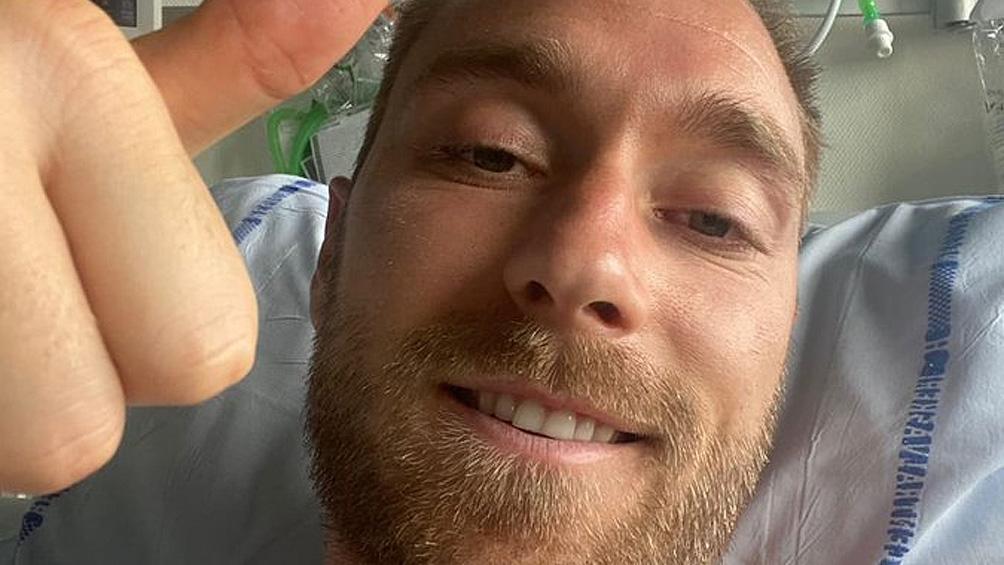 Eriksen mostró una foto en el hospital y dijo