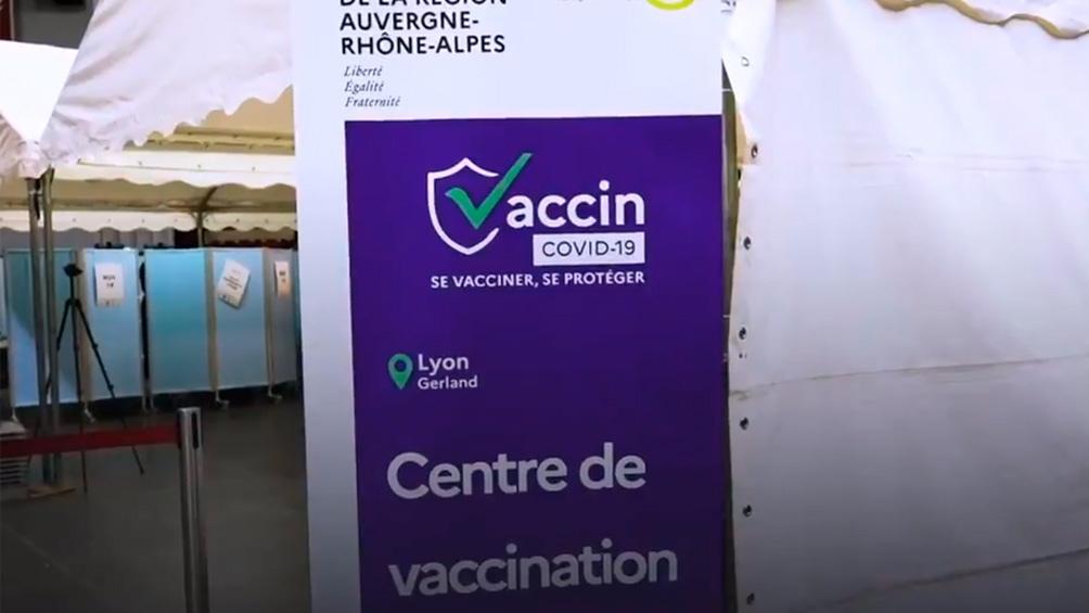 Las autoridades francesas anunciaron que unos 3,5 millones de menores de edad van a recibir el fármaco de Pfizer/BioNtech.
