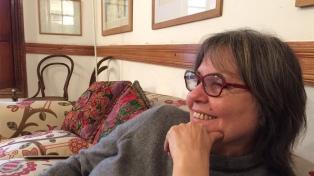 """Diamela Eltit: """"Las zonas más asimétricas de los mundos están impresos en la literatura"""""""