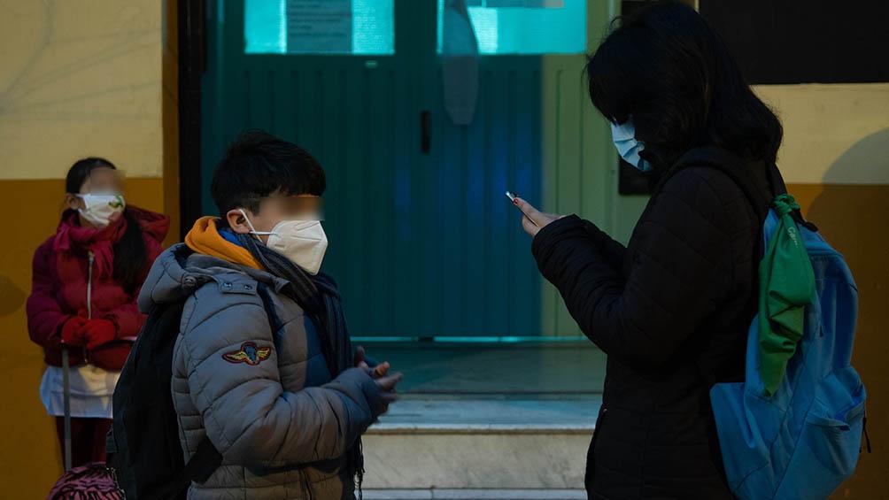 """La ciudad de Buenos Aires """"tiene el presupuesto más rico del país pero recorta en infraestructura, no garantiza la calefacción en las aulas"""", acusan los gremios docentes."""
