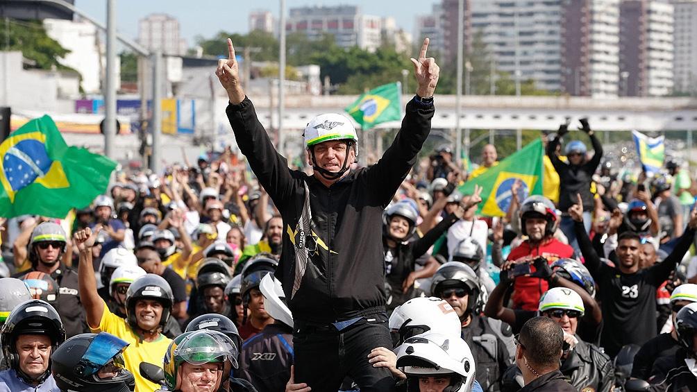 Bolsonaro defendió la vacuna estadounidense