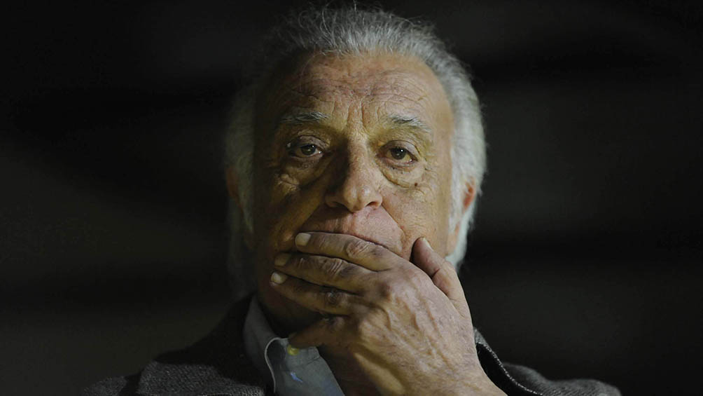 Alfio Basile se encuentra internado por coronavirus