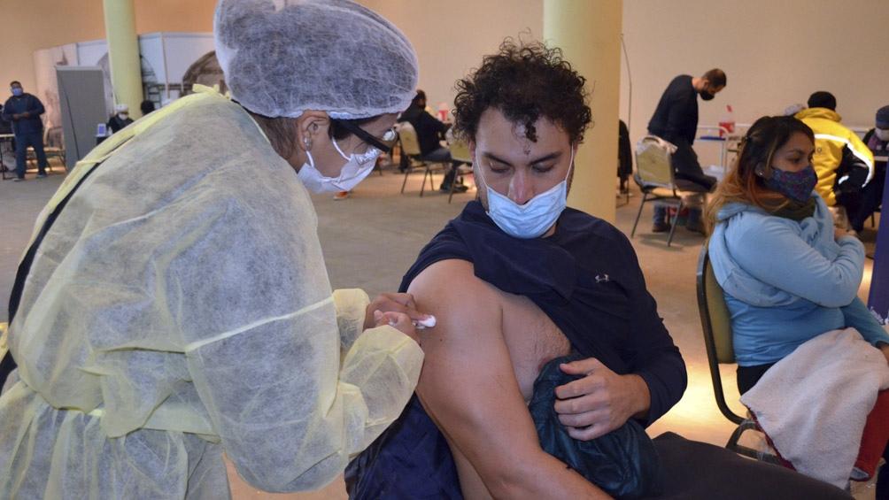 Ya se están vacunando en los diferentes distritos a los que llegaron las más de 20 millones de dosis.