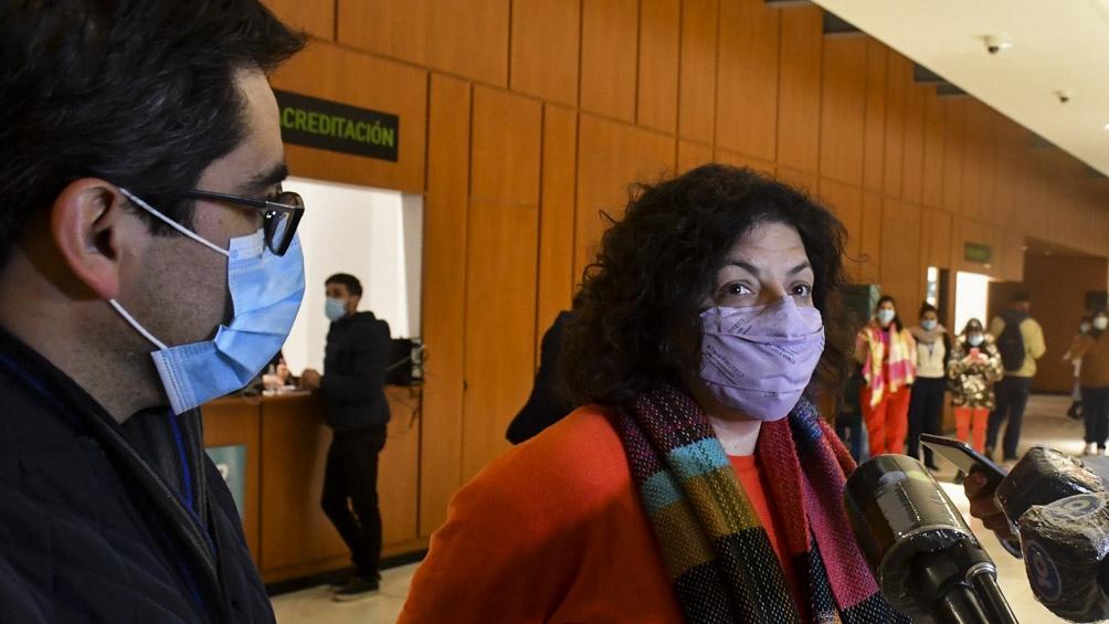 """""""Córdoba viene avanzando fuertemente en la campaña de vacunación"""", aseguró Vizzotti."""