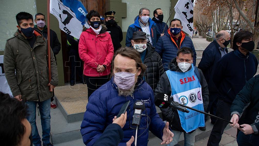 """El sindicato ATEN sostiene que """"la decisión se tomó sin considerar las razones de riesgo sanitario vigentes"""""""