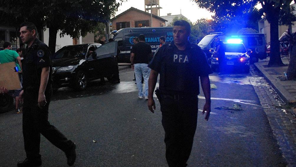 En diciembre de 2013, Pesquera fue hallado muerto de un disparo dentro de un auto, en una tranquila calle del barrio de Saavedra. Todo indicó que fue un suicidio. Tenía 49 años.