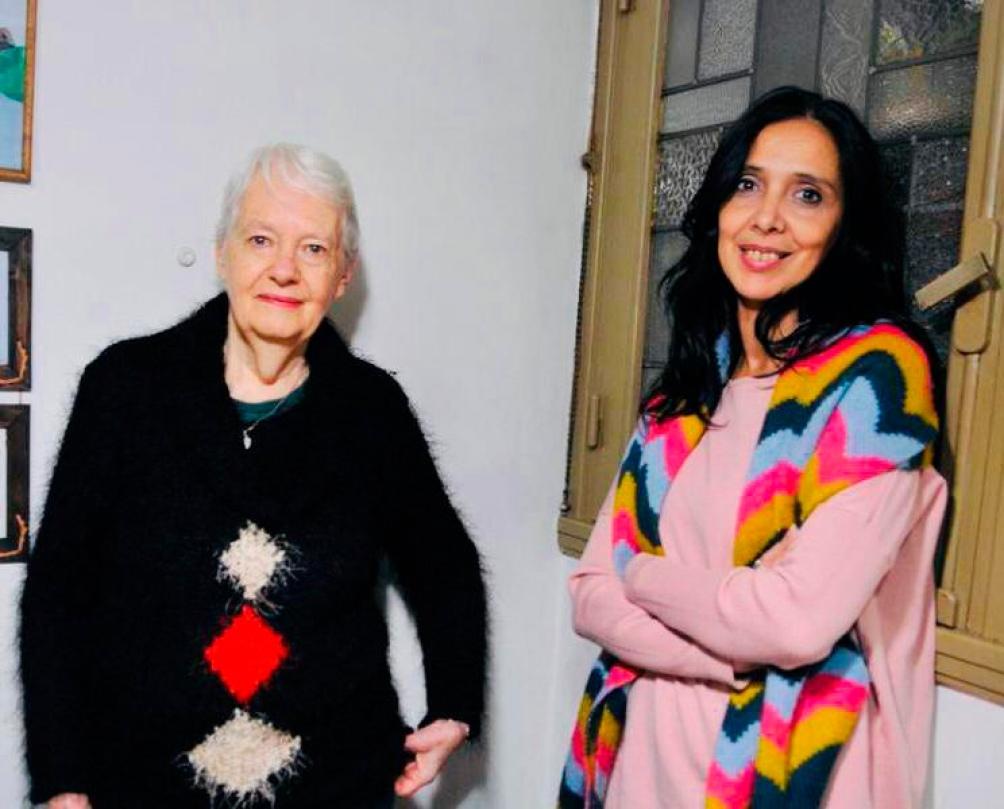 La escritora Laura Devetach junto a Verónica Parodi  autora y compositora y directora del Ecunhi.