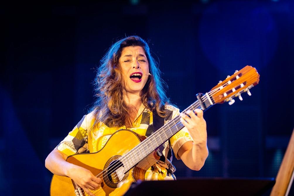 Laura Migliorisi , cantautora  y compositora de músicas para las infancias.