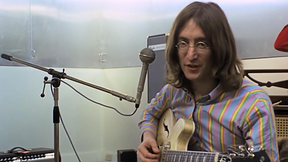 John Lennon una de las figuras centrales encuadradas por el documental.