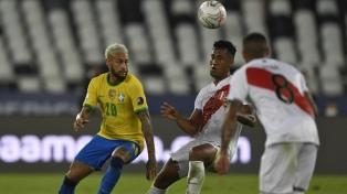 Brasil, con un festival de juego y goles, apabulló a Perú