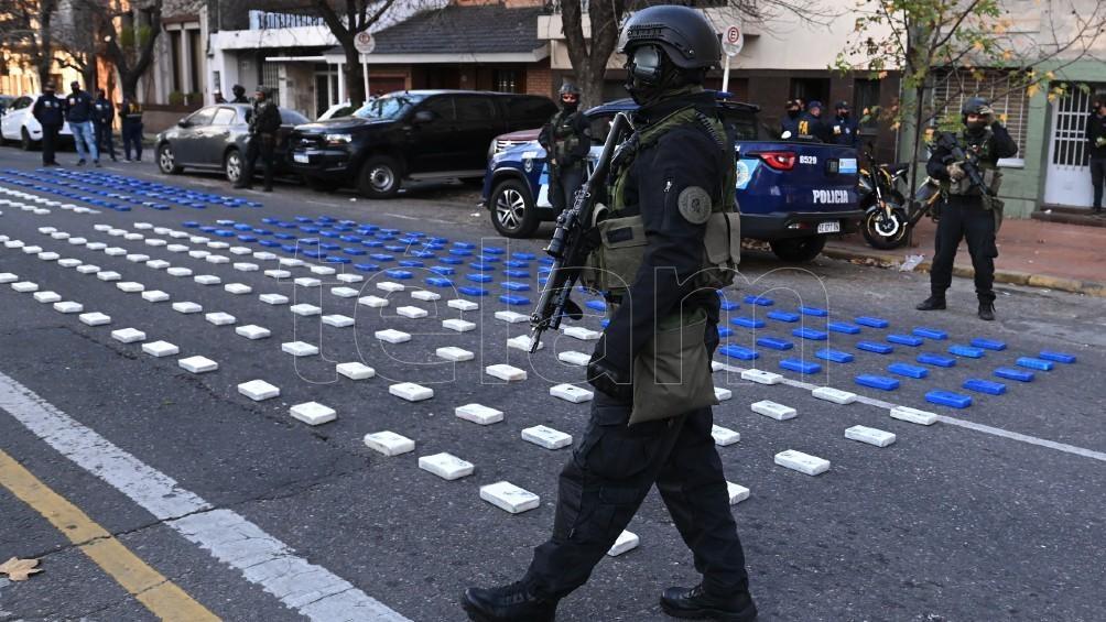 La droga estaba guardada en un vehículo de alta gama, un BMW X5. Foto: Sebastián Granata.