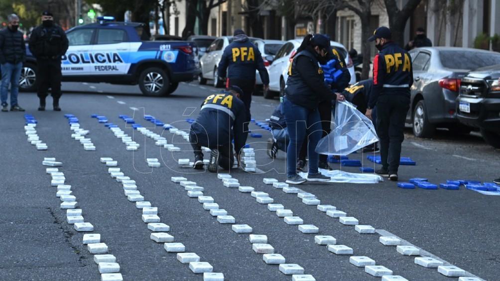 La investigación se inició hace un año y medio y derivó este viernes en 11 allanamientos. Foto: Sebastián Granata.