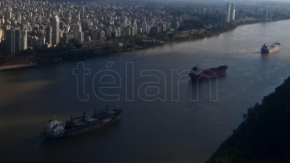 Sobrevuelo por la ribera de Rosario. Foto: Sebastián Granata.
