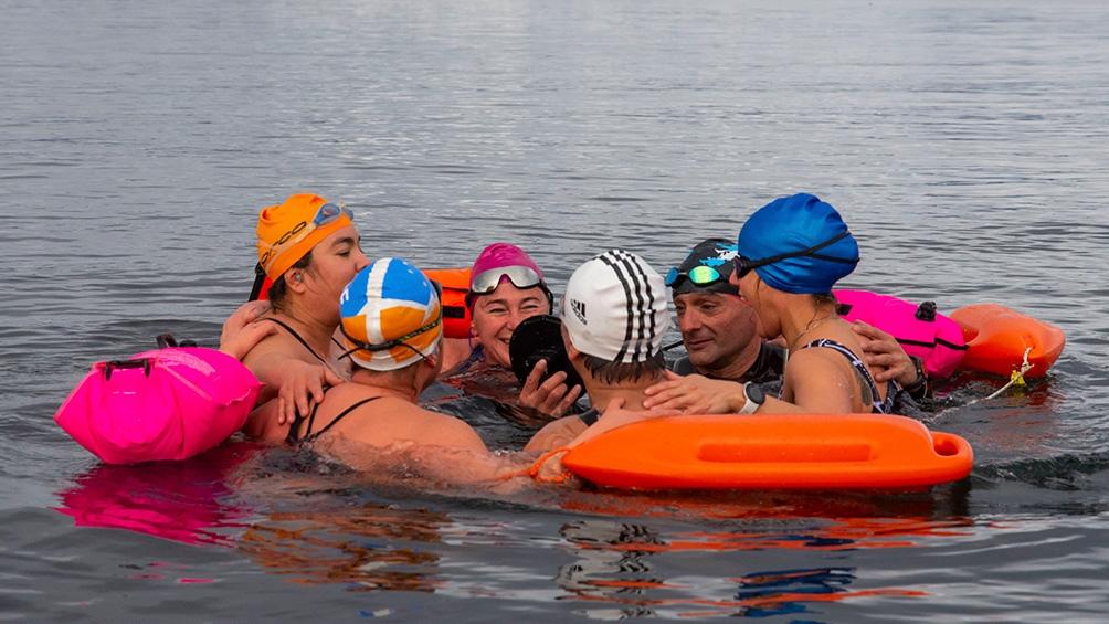 Los deportistas eligieron este modo de sumarse a los clásicos festejos que organiza cada año el municipio de la ciudad del Fin del Mundo