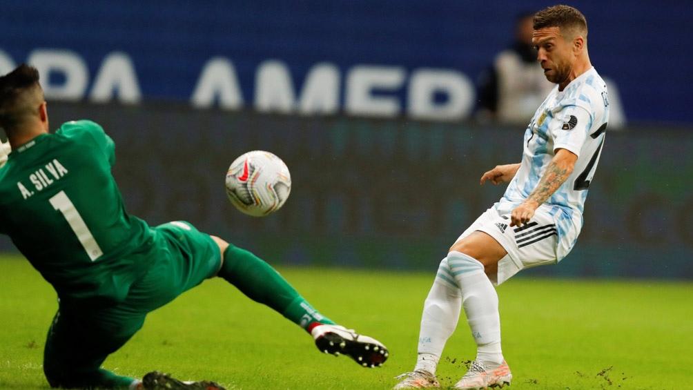 """El golazo de Alejandro """"Papu"""" Gómez para el 1-0 ante Paraguay (Foto: @CopaAmerica)"""
