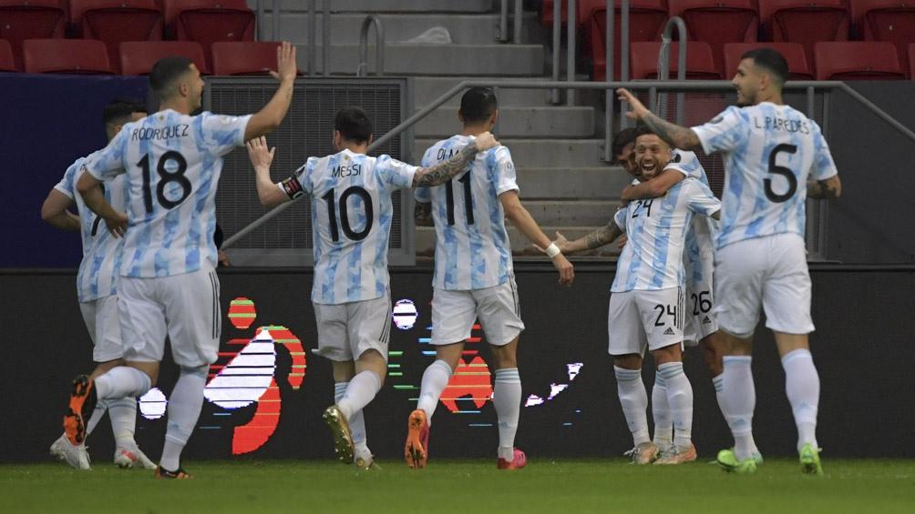 Argentina le gana por 3-0 a Bolivia (Foto: AFP)