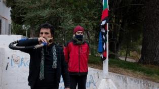 Izaron la bandera mapuche en la Universidad Nacional del Comahue