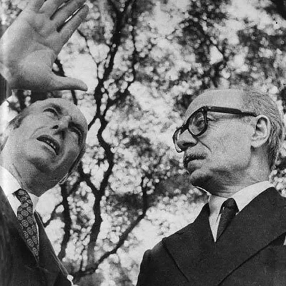 Julio de 1976, la única entrevista que compartieron Fangio y Sabato, en las páginas de la revista Gente.