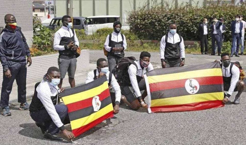 La delegación de Uganda era felicidad al llegar a Japón, pero ahora está aislada.