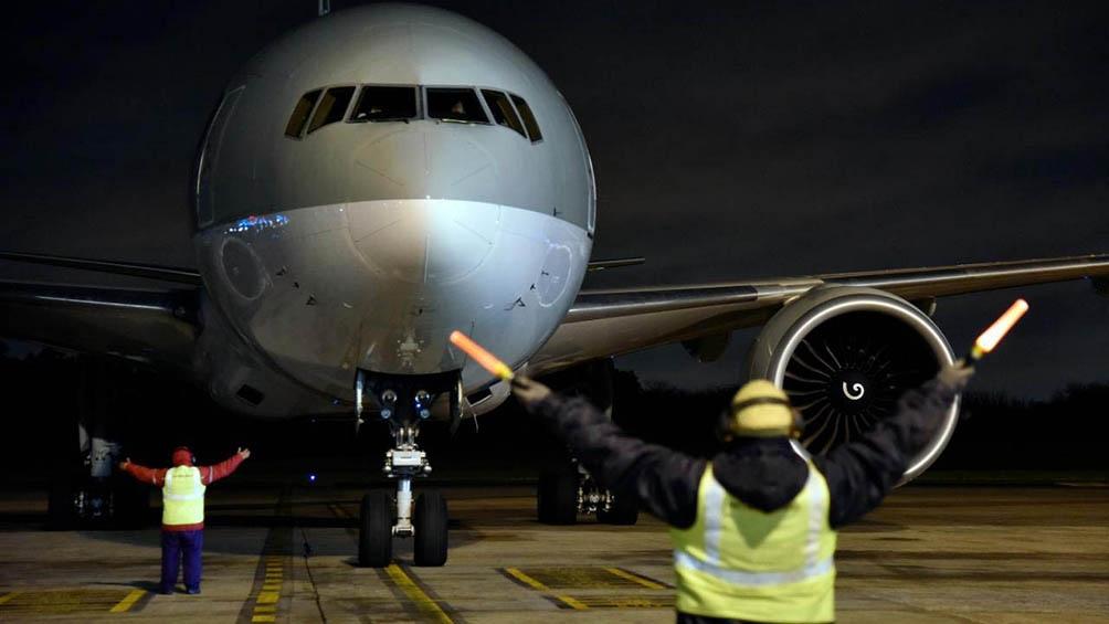Un vuelo de Qatar Airways arribó al país con un cargamento de 464.000 vacunas Sinopharm.
