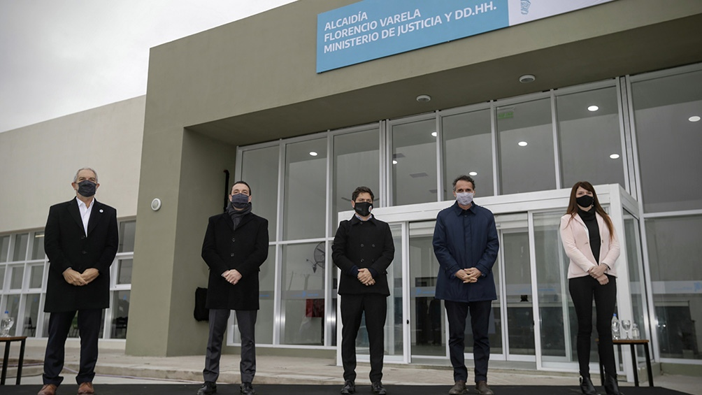 El gobernador dejó inaugurada la Alcaidía de Florencio Varela.