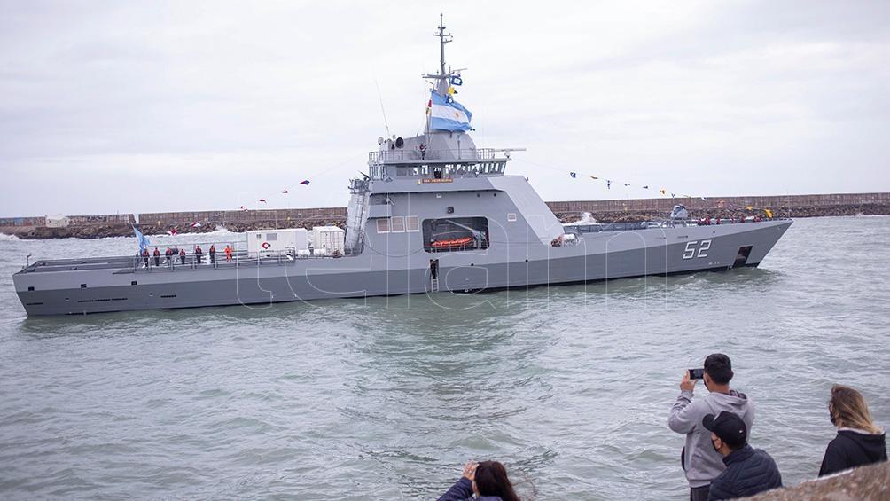 El nuevo barco es el segundo de una serie de cuatro multipropósito que se incorporarán a la Armada,