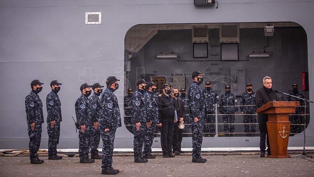 El acto de presentación con los hombres de la fuerza.