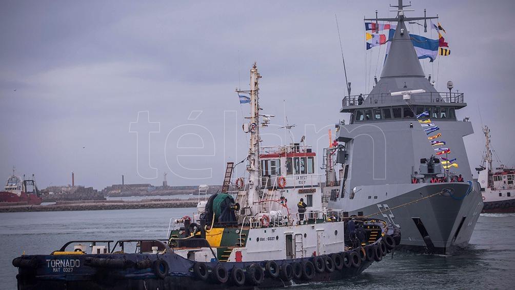 El barco tiene 87 metros de largo, 13,6 metros de ancho, 3,8 metros de calado, y está diseñado para una tripulación básica de 40 personas.