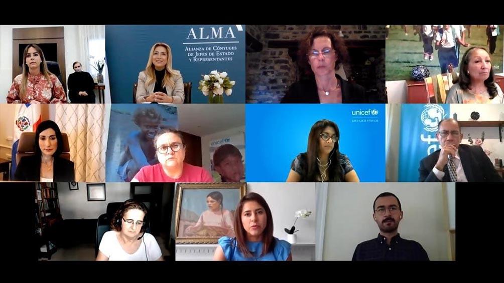 Por ALMA participaron del conversatorio las primeras damas de Colombia, Maria Juliana Ruiz Sandoval; de Paraguay, Silvana Abdo y de República Dominicana, Raquel Arbaje de Abinader