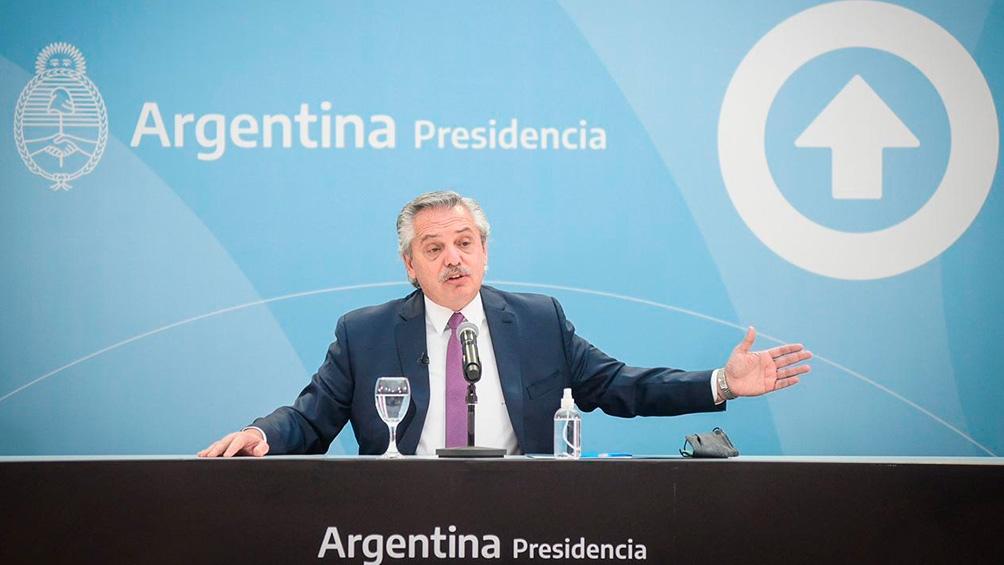 Fernández encabezó el lanzamiento de un plan destinado a la construcción y entrega de viviendas para mayores de 60 años.